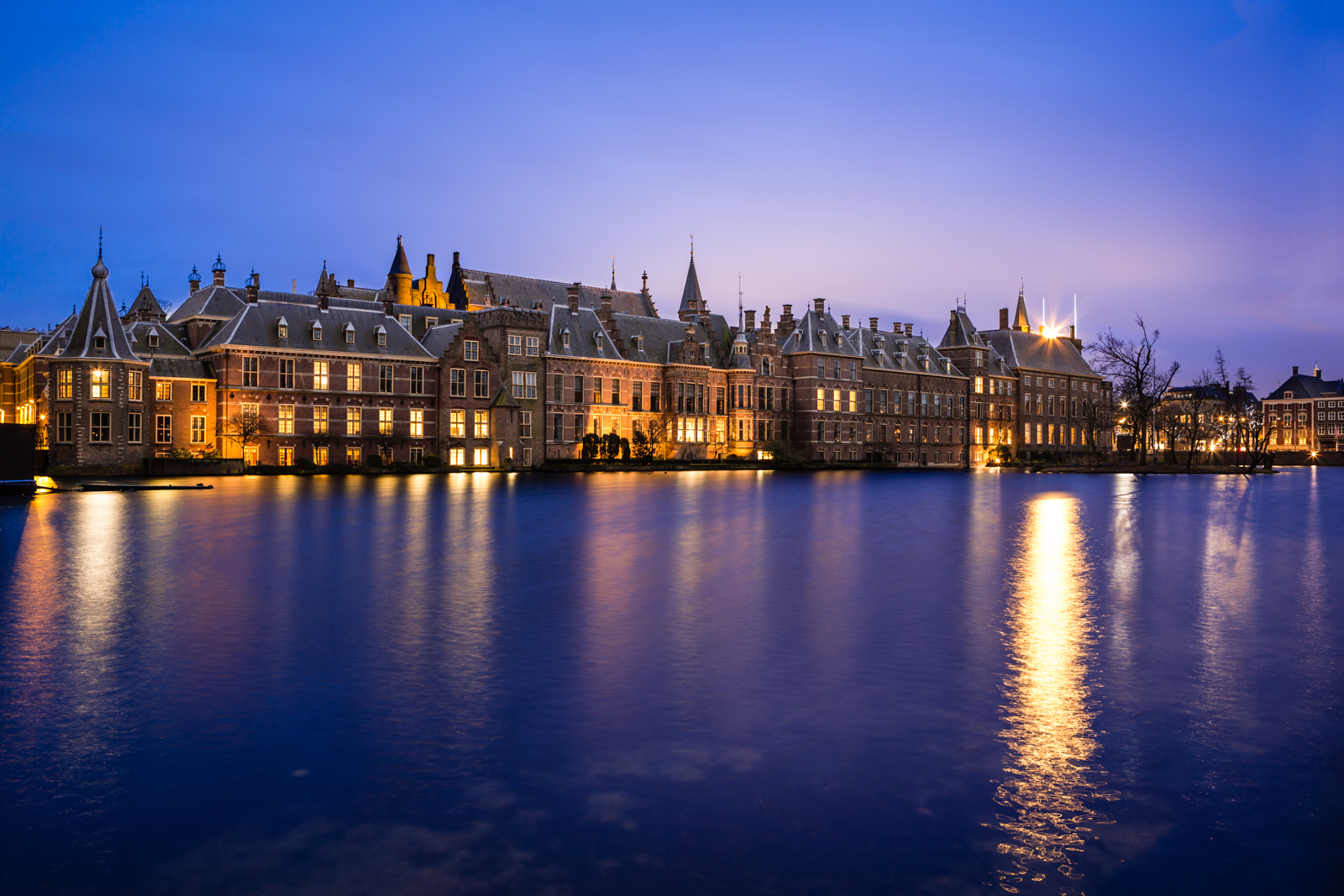 The Binnenhof has been the scene for Dutch political compromise for centuries, but is this a system that would work for every nation? (Image copyright Christopher A. Dominic - Flickr)